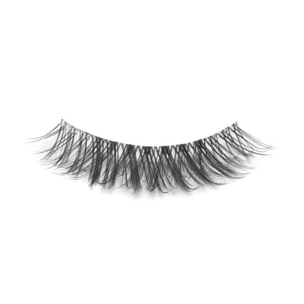 closeup picture of Ashlynn Braid Audrey eyelashes
