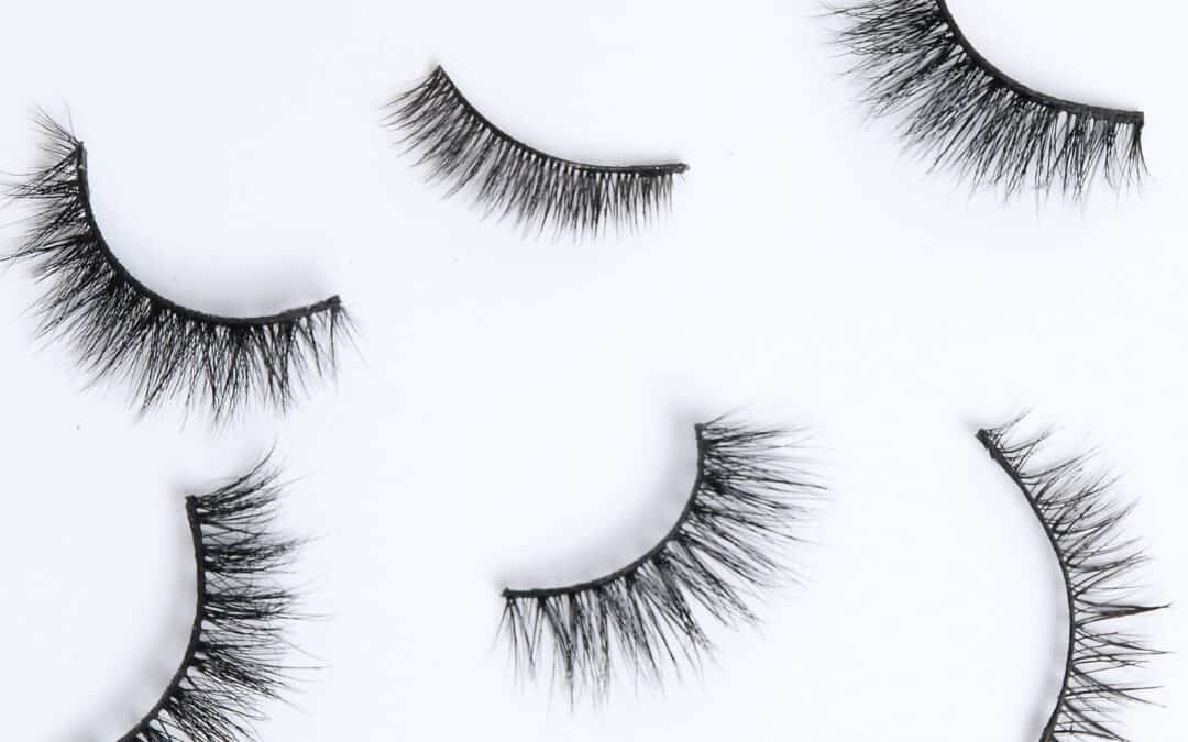 Choose lashes according to your eye shape!